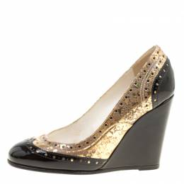Chanel Metallic Gold And Black Patent Brogue Leather Wedge Pumps Size 35.5 159937