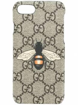 Gucci чехол для iPhone 7 с узором GG Supreme и принтом пчелы 465786K5U0N