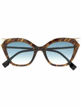Fendi Eyewear - солнцезащитные очки в оправе 'кошачий глаз' 353GS938859580000000