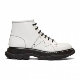 Alexander McQueen Off-White Tread Lace-Up Boots 192259F11300708GB