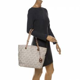 MICHAEL Michael Kors Off White Signature Coated Canvas Jet Set Tote 231783