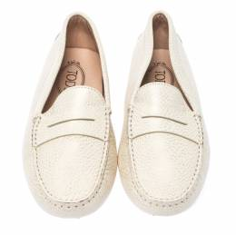 Tod's White Leather Gommino Slip On Loafers Size 39.5 236080