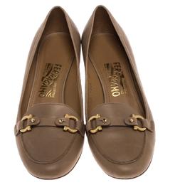 Salvatore Ferragamo Double Gancio Leather Block Heel Pumps Size 40 238169