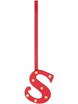 Burberry подвеска в виде буквы S с заклепками 8024397
